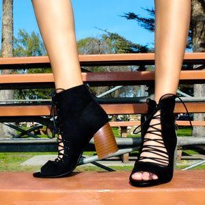 🆕//The Beau// Black lace up Block heel
